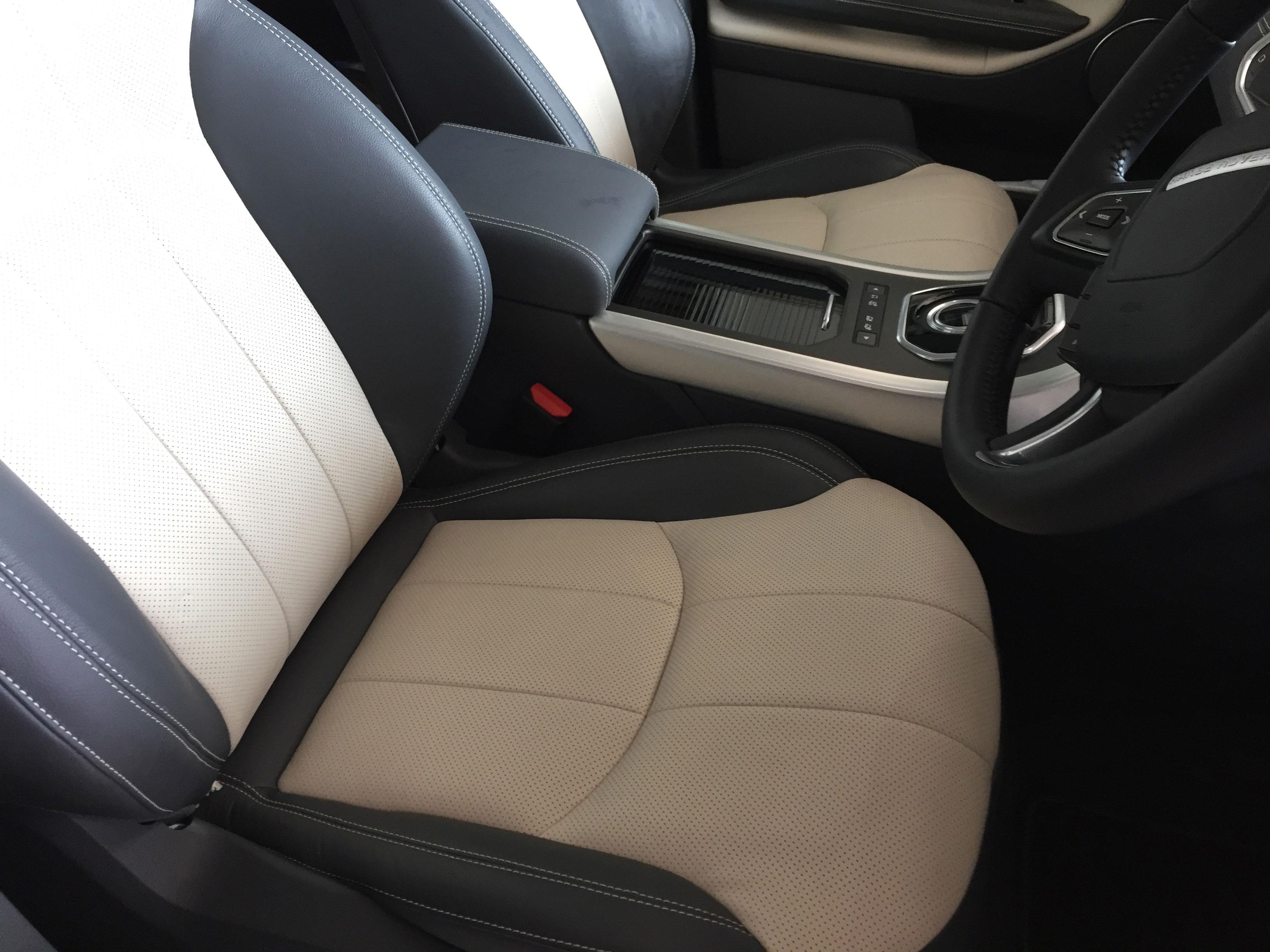 6 month old-Range Rover Evoque leather damage after