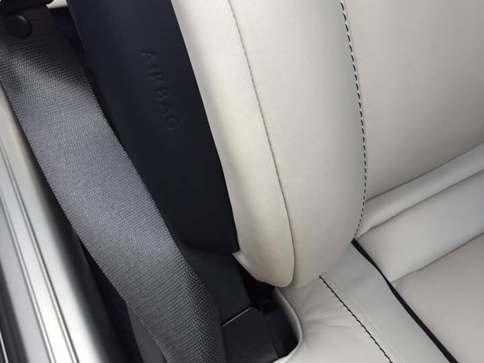 Bentley leather scuff repair - after